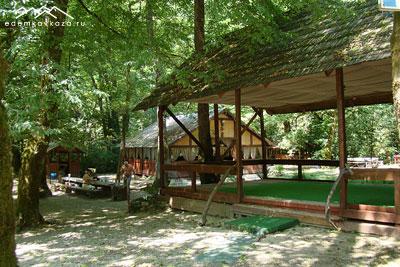 Территория комплекса отдыха «Лесная поляна»